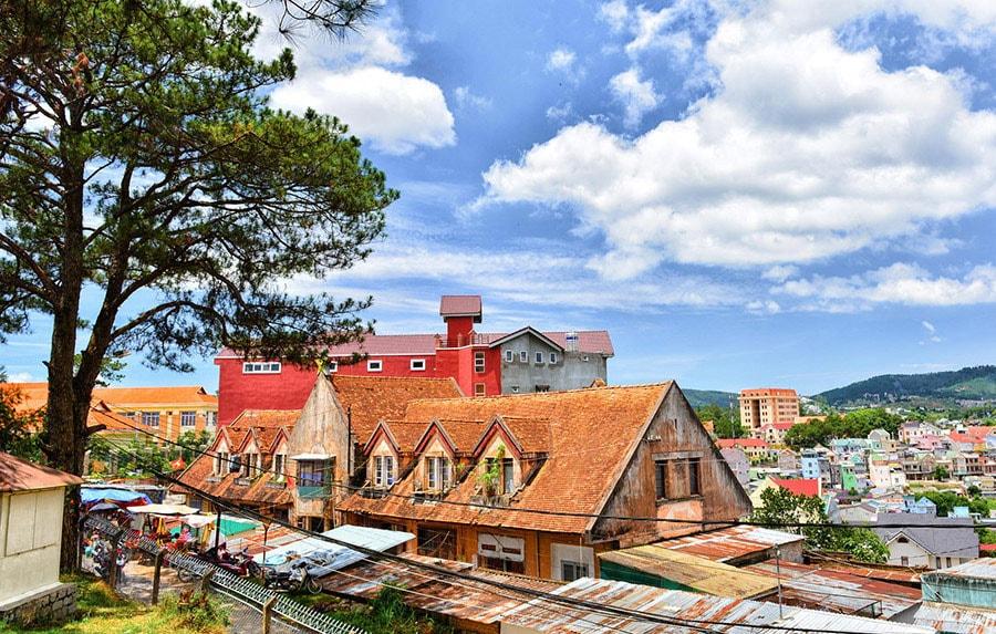 Địa điểm ăn uống vui chơi tham quan du lịch khách sạn nhà nghỉ phương tiện đi lại Đà Lạt