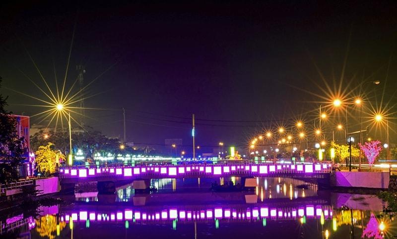 Địa điểm ăn uống vui chơi tham quan du lịch khách sạn nhà nghỉ phương tiện đi lại Hậu Giang
