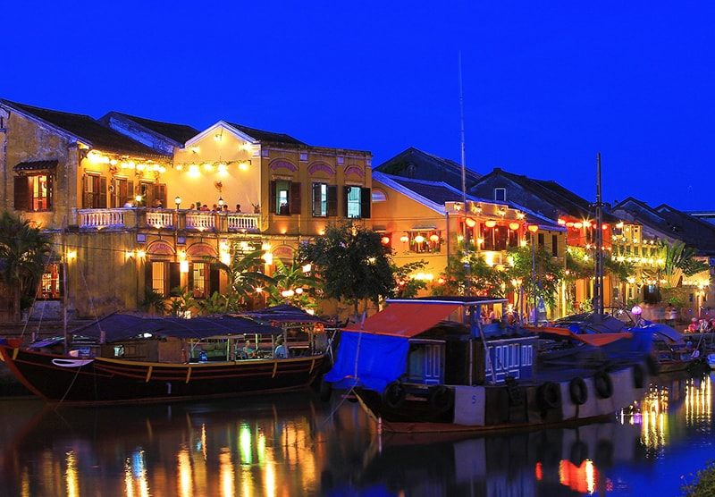 Địa điểm ăn uống vui chơi tham quan du lịch khách sạn nhà nghỉ phương tiện đi lại Quảng Nam